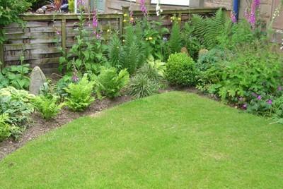 A Romantic Front Garden